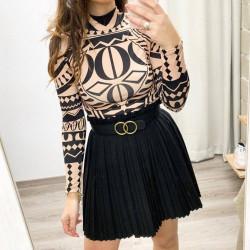 Falda plisada color negro